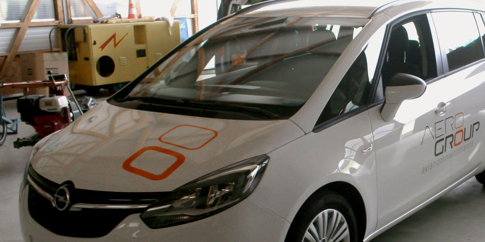 Aerogroup - Habillage sur voiture - B12communication, communication et graphisme